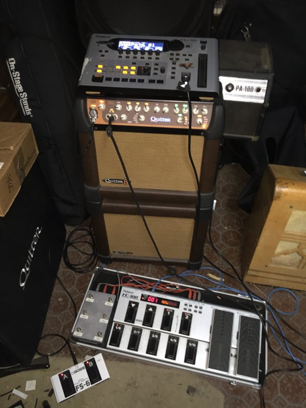 "Quilter MicroPro 8 with 12"" cabinet and Roland VG-99"